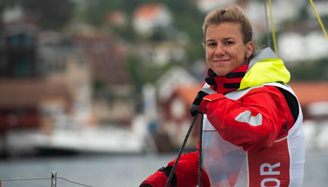 KAN SMILE: Anette Melsom Myhre har grunn til å smile etter å ha inntatt en soleklar ledelse i konkurransen om å bli Årets shorthanded-seiler.