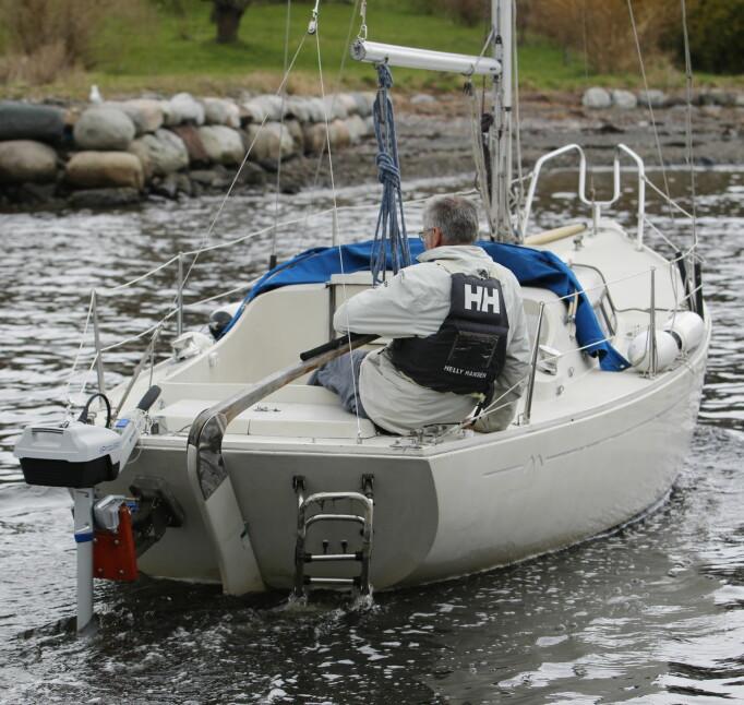 SEILBÅT: Elmotor er perfekt for seilbåter inn og ut av havn, men ikke for lengre distanser. Jørn Finsrud