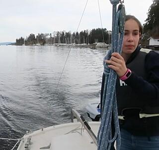 STILLE: – Kan ikke vi også få elmotor i båten, pappa, var Astris reaksjon da vi testet elmotor. Naturopplevelsene vokser.