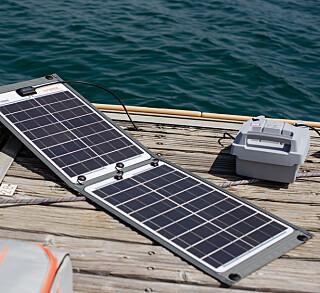 Lading: Torqeedo og ePropulsion har løsninger for å lade med sol, men det tar tid. Det er også mulig å lade med 12 volt, men det går kjappest med landstrøm.