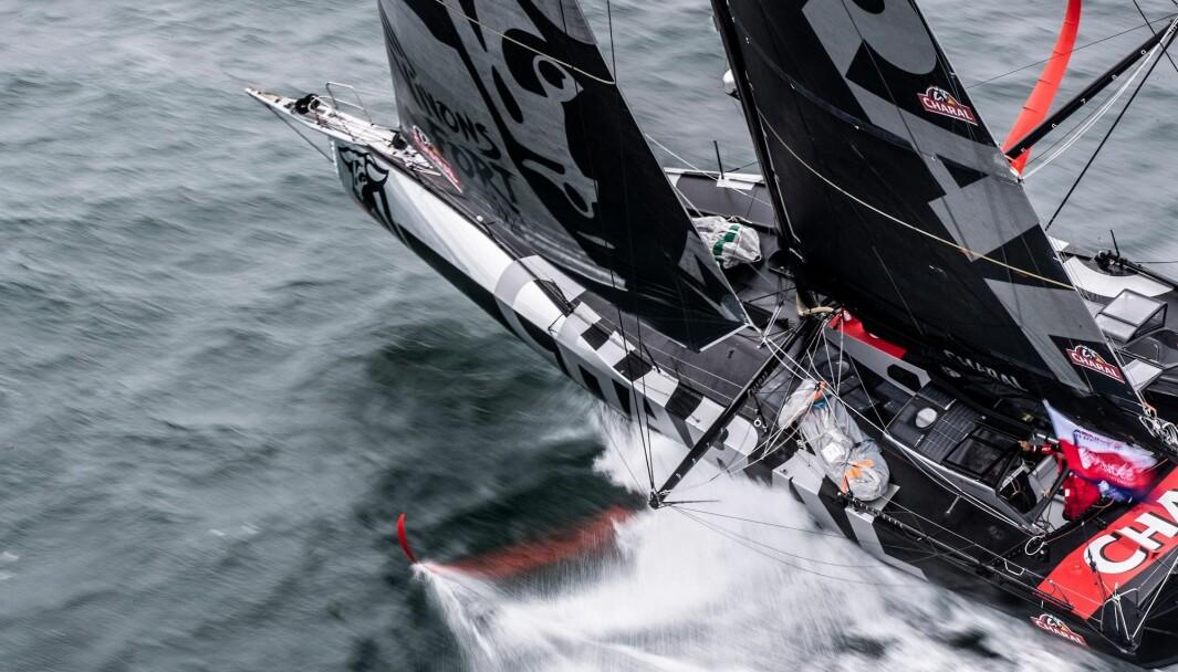 FAVORITT: Jeremie Beyou har aldri klart å riste seg løs, og kan se av to Verdier-båter er like rasle som hans fra VPLP: