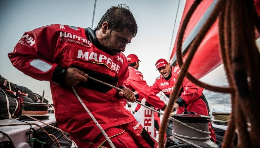 Seilerne på det spanske Mapfre laget i Volvo Ocean Race var kledt fra topp til tå i klær fra Helly Hansen