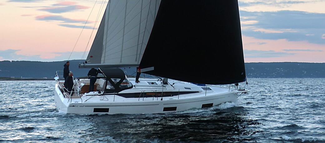 FAMILIETURSEILERE: Bavaria C42 er en av de nominerte i Årets båt 2021.