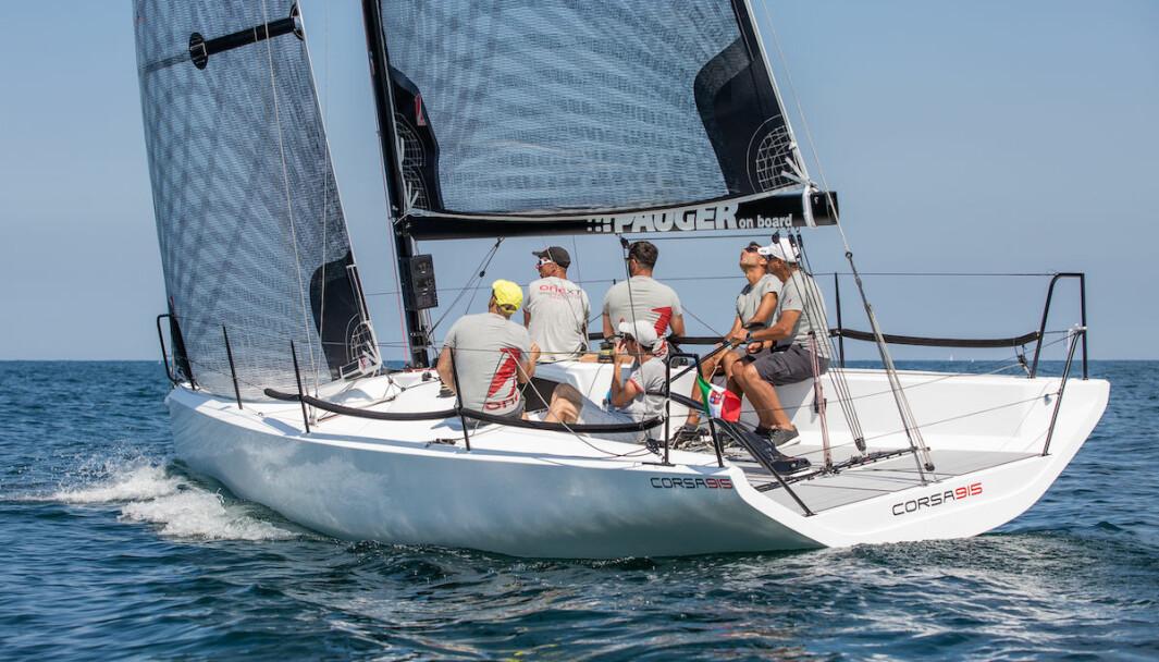 SPORTY: Corsa915 er en 30-foter som kan seiles både som sportsbåt og havseiler. Den er også egnet for shorthandedseiling.