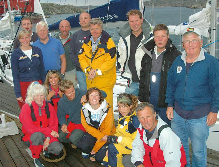 JURYEN: Regattaseilere, turseilere og journalister tester båter sammen.