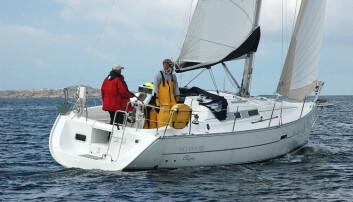 LES: Beneteau Oceanis 323