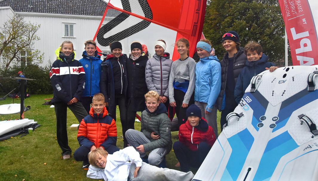 UNGE: Juniorseilerne kommer, men de er bare fra Indre Oslofjord. Her er gruppen fra KNS