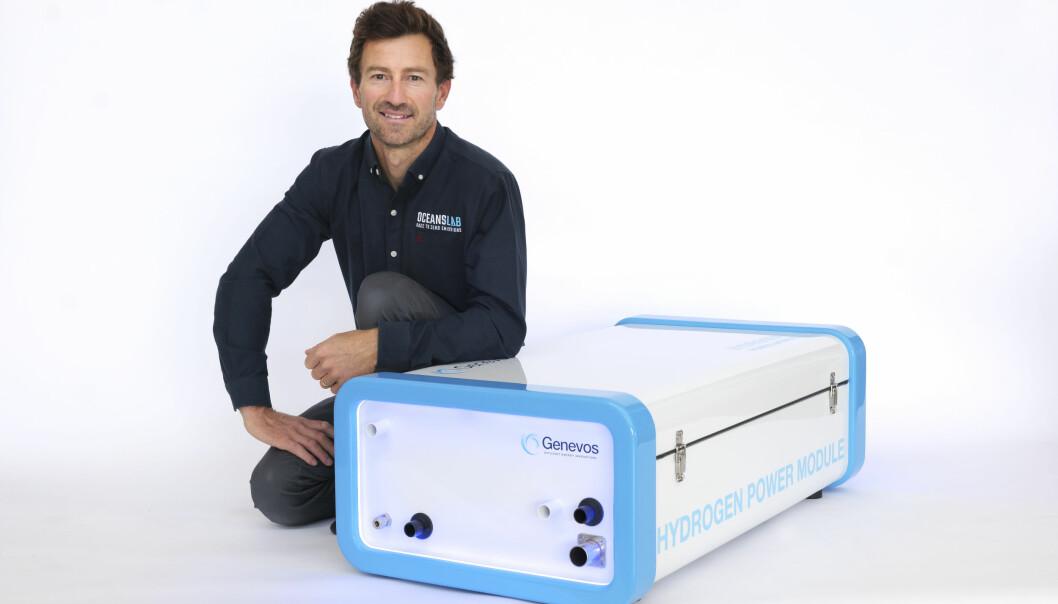 HYDROGEN: Phil Sharp har utviklet en enhet som lager strøm ut av hydrogen.