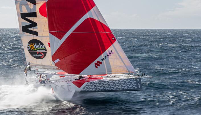 FOILER: Joschke seiler en IMOCA med foiler.