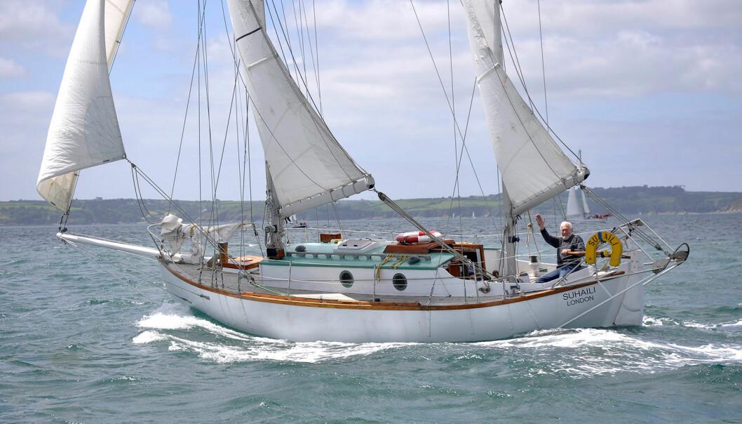 FØRST: Robin Knox-Johnstone var den aller første til å seile jorden rundt alene non stop. Det skjedde i 1969 med båten «Suhaili»