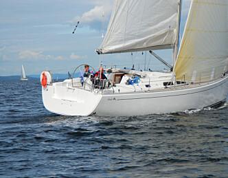 Båt som appellerer til de unge