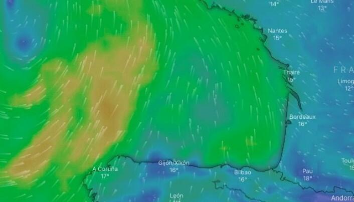 VIND: Vinden skraller, og øker. Det betyr seilskift for dem som startet med mye duk.