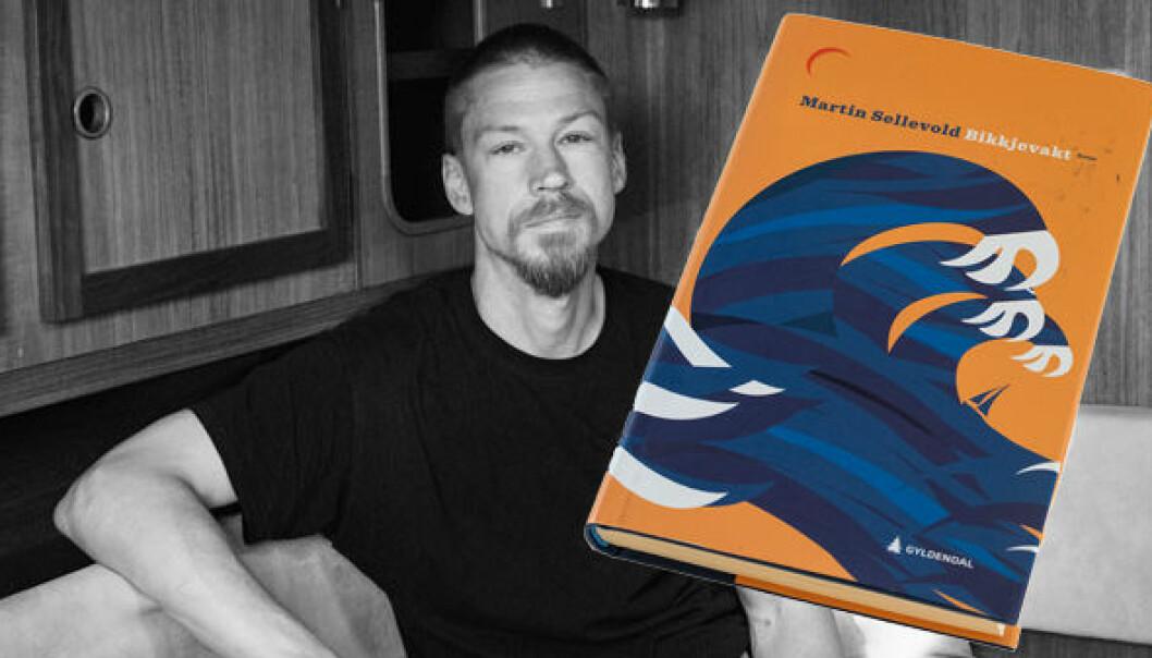 BIKKJEVAKT: Martin Sellevold har skrevet en roman fra seilmiljøet. Et julegavetips til gave til seilere som ellers har alt og som trenger litt adspredelse.