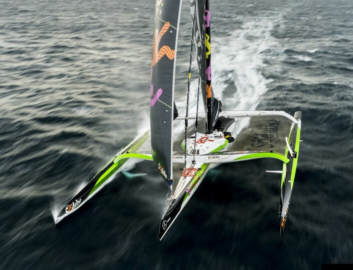 ULTIME: «Sodebo» er en Ultime, bygget for soloseiling, men nå tilpasset seiling med et mannskap på åtte for Jules Verne-rekord.
