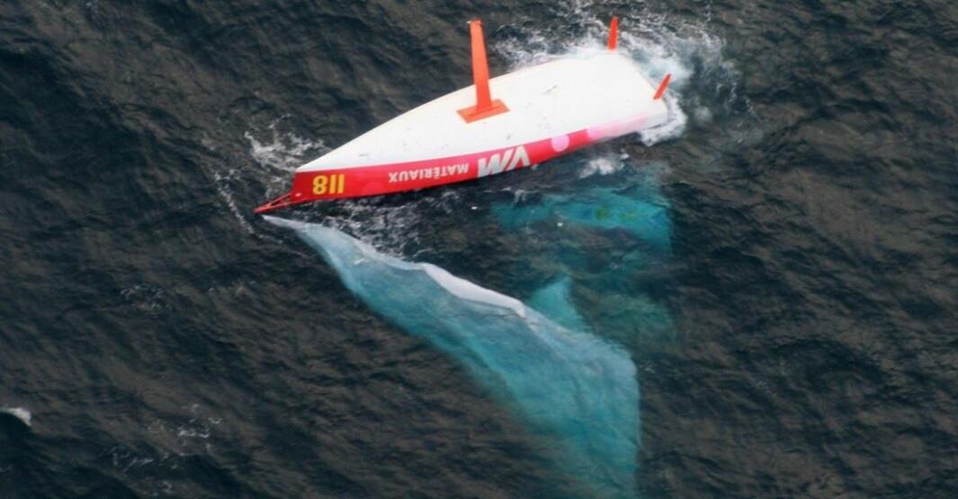 KULLSEILT: I 2009 var det Jean Le Cam som ble reddet, da av Vincent Riou i en båt sponset av «PRB«.