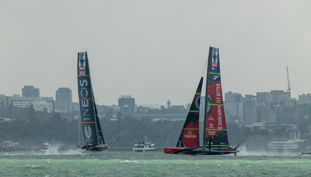 Emirates Team New Zealand mot INEOS TEAM UK i 5. seilas, dag 2 under ACWS Auckland.