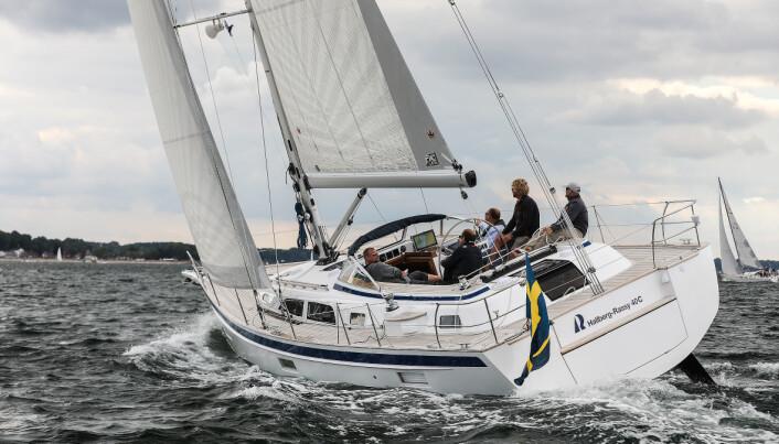 SVERIGE: Hallberg-Rassy 40c imponerte under vår vintertest mot slutten av 2019. Nå skal juryen i Årets Båt i Europa sette sine kritiske øyne på båten.