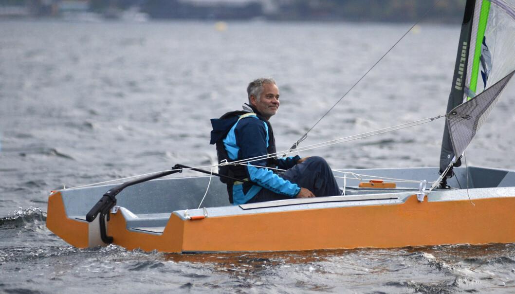 SELVBYGD: Jolla er på 15 fot, og kan seiles, ros og kjøres med elmotor.
