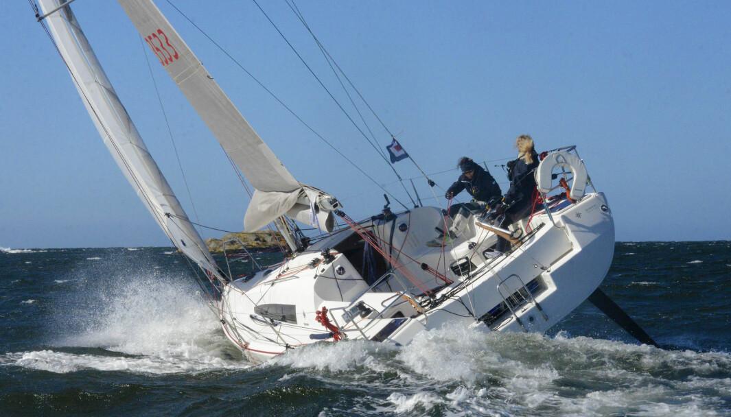 TYPISK: Autopilotene ble testet på Sun Fast 3200, en båt vi ser på regattabanen her hjemme også.