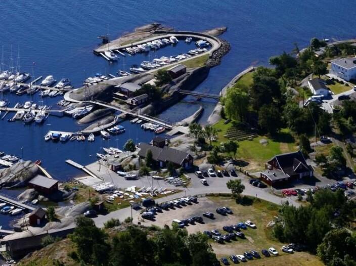 VIKSFJORDEN: Larvik Seilforening har god kapasitet for et slikt arrangement, og holder til like ved den historiske Vikingbyen.