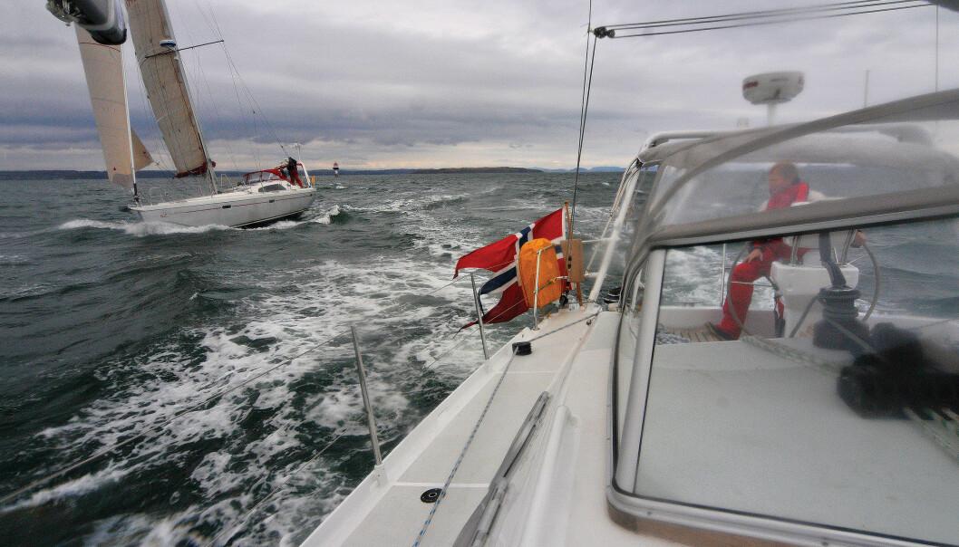 SURT: Ut fra Horten i kald vind på 7-9 m/s fra nord.