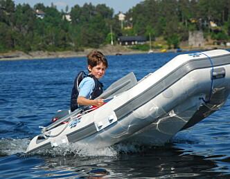 Vil droppe 10-knops-grense for båtførere under 16 år