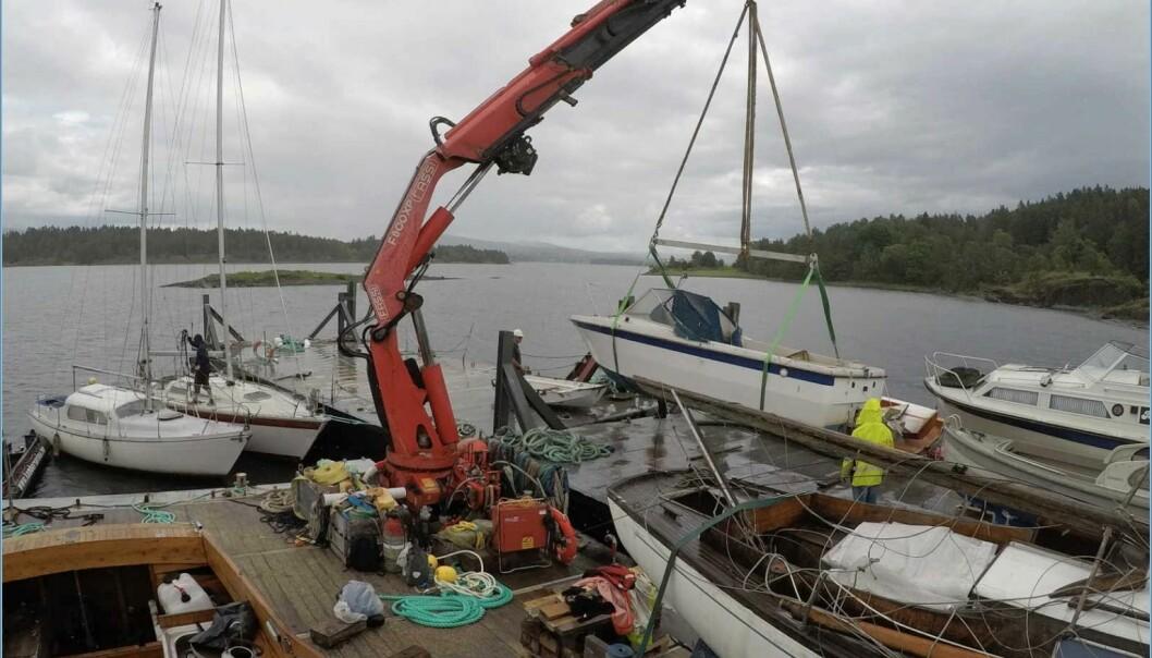 260 TONN: Tilsammen 260 tonn båtvrak ble samlet inn i Oslofjorden i 2020. I år er målet å heise på land 400 tonn.