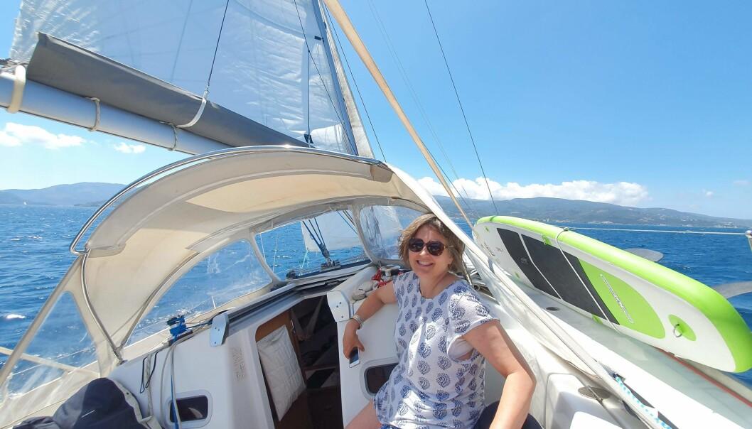 VINDEN: Å seile er miljøvennlig lykke. Her fra prekorontider i det Joniske hav