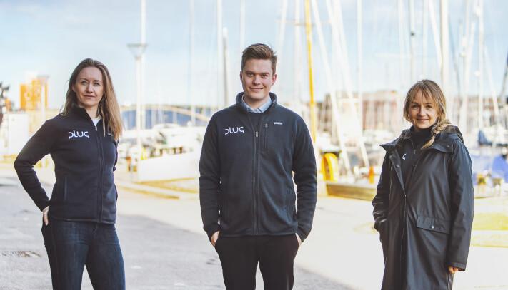 Maria Bos, Bjørn Hønsi Følling og Jannicke Hilland jobber for å gi lading til elbåtene