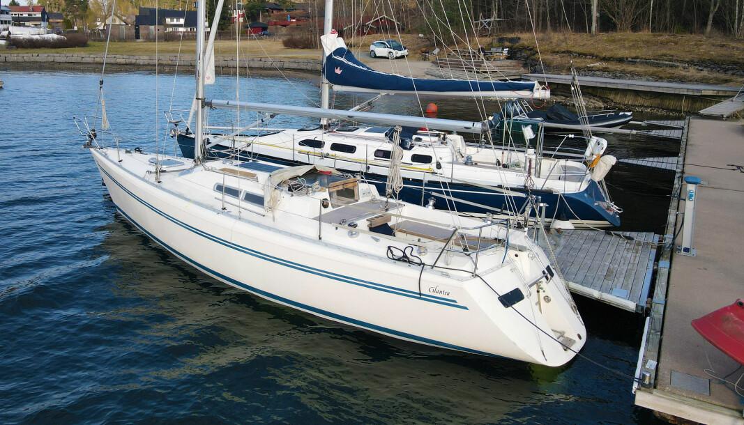 SKIFTE: Ny og gammel båt samlet. De er like lange med like høye master, og veier det samme, men X-en er 50 cm bredere. Kjølen er også dypere.