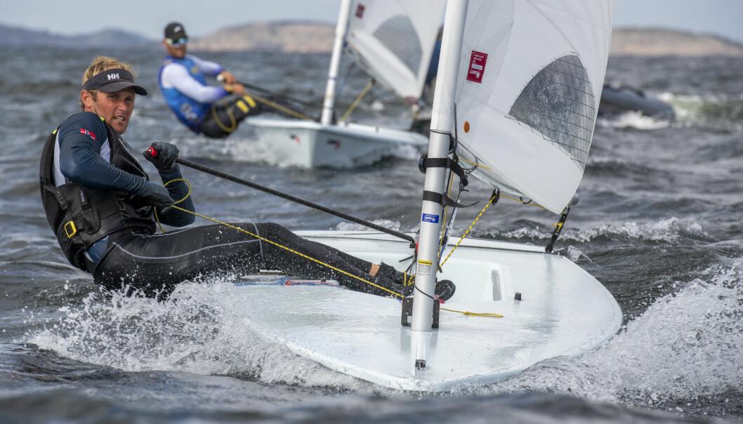 DEDIKERT: Hermann Tomasgaard har vært tro og dedikert til enmannsjoller gjennom hele sin seilkarriere. I over ti år har han bare seilt Laser.