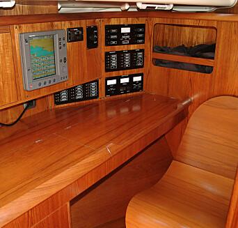 Navigatørens hjørne med den elegante liggestolen.