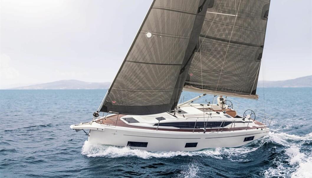 SPORT: Bavaria C38 får vist seg frem mot regattabåter i Oslofjorden på tampen av mai 2021.