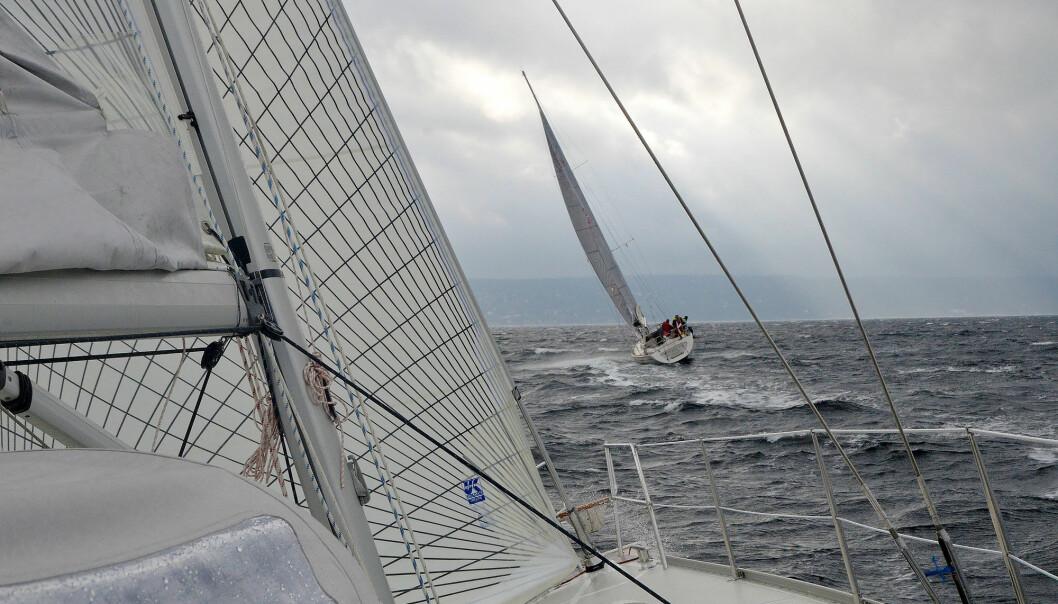 KULING: Det blir mye vind helt fra start, og en rask og tøff kryss ut fjorden. m