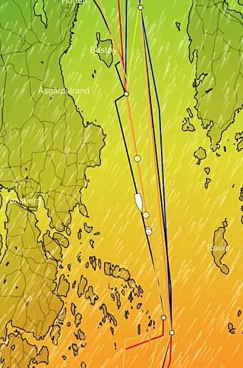 MIDTFJORDS: Det blir lange bein inn og ut Yttre Oslofjord. Holde deg vest på vei ut sier datamaskinene.