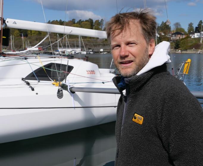 VINNER: Sigmund Hertzberg foran sin nye båt.