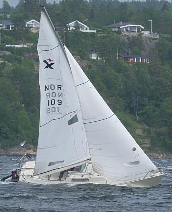 KRYSS: Kulingen gjorde at seilene fikk kjørt seg, men riggen holdt.