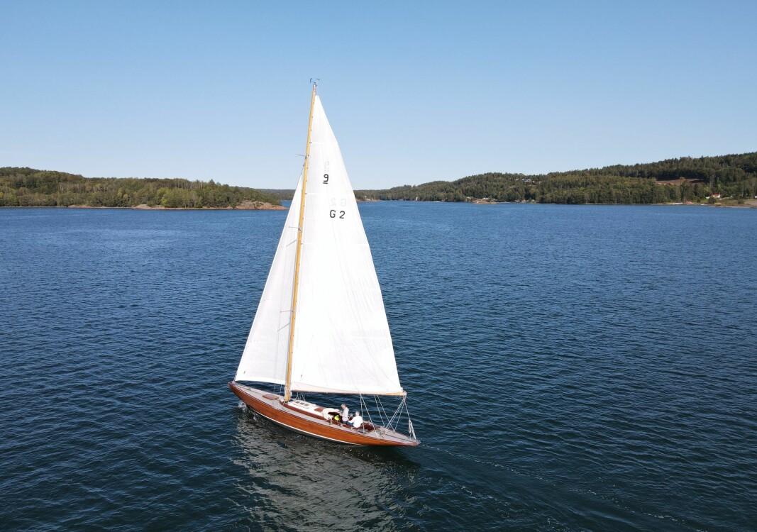 MELSOMVIK: Vi fikk gleden av å seile «Flirt IV» en vakker høstdag i Vestfold.