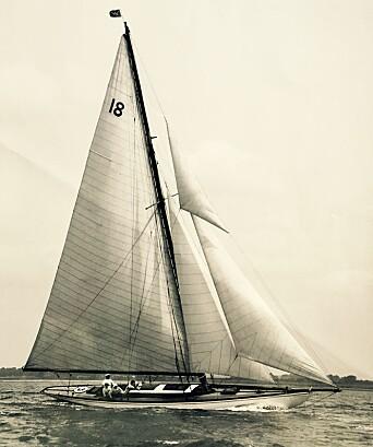 UK: Båten ble beryktet i England for sine kryssegenskaper og lettvindsegenskaper.
