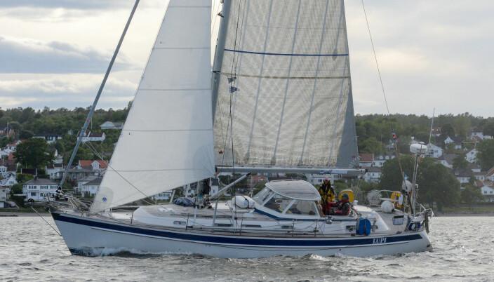 TUNG: «Lupi» er en tung, men komfortabel seilbåt sammenlignet med konkurrentene i IRC 2H-klasen.