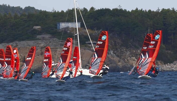 OL: iQfoil-klassen er valgt til OL 2024, og miljøet er alt stort i KNS.