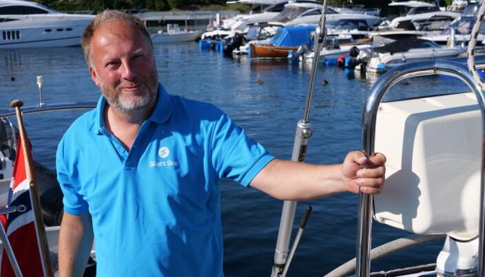 KUNNSKAP: Larsen høster erfaring fra sin løsning og ønsker å samle fakta om elmotor i seilbåt.