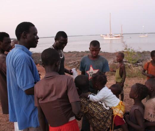 AFRIKA: Gambia bød på flere bekjentskaper. Her fra Kemoto.