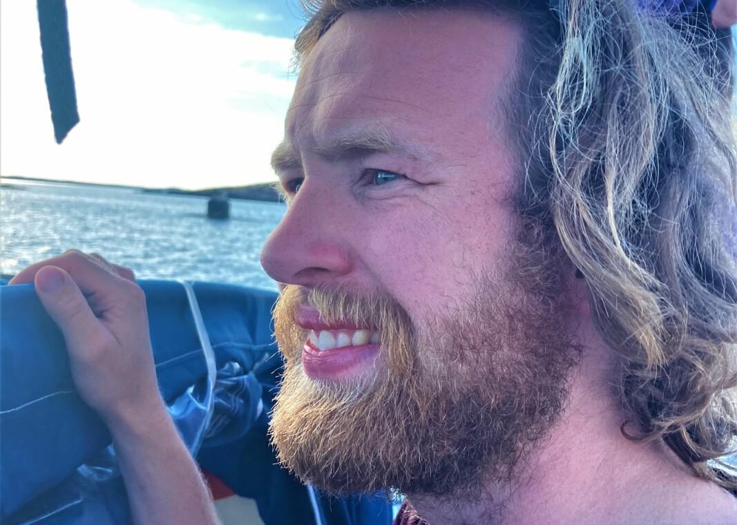 NÆRVØS: Småengstelig seiler, på tur inn i fremmed havn.