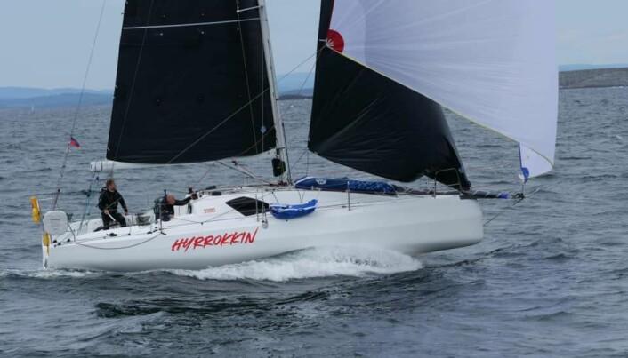 RASK: Tim Sandberg seilte Sun Fast 3300 «Hyrrokkin».