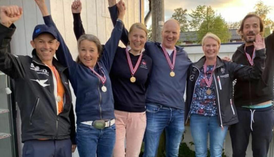 MEDALJER: Sølv, gull og bronsjevinnerne av Snipe Master NM 2021.