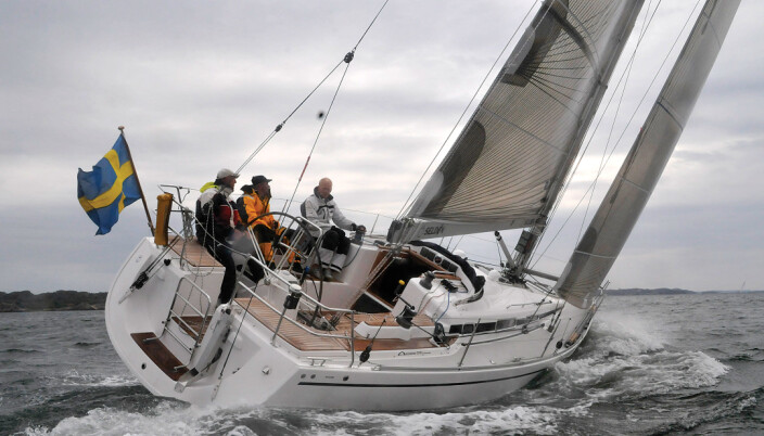 – Arcona 370 er en velbygd cruisingbåt for shorthanded seiling. Gedigen og fin treinnredning. Bert Andersson, regattaseiler og seilmaker