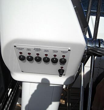 HALLBERG-RASSY: Bus-systemet gir nye muligheter, som lanternebrytere på rattpidestallen.