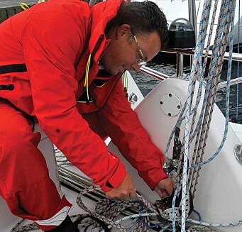 Ekspert: Peter Gustavsson var like aktiv i sjekking av båtenes dekksutstyr som han er på sin blogg, blur.se.