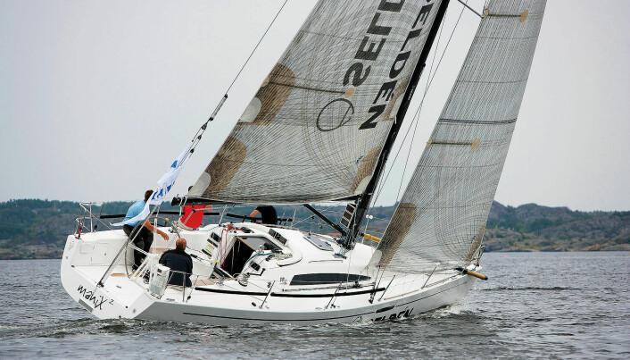 – FinnFlyer er ingen båt for Calle Camper, men for en regattaseiler med begrenset behov for ferieseiling. Curre Gelin, testarrangør og båtjournalist i Båtnytt